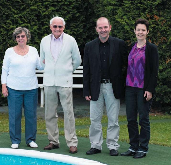 Az első és a 90.000-ik Waterair úszómedence tulajdonosai