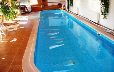 Beltéri úszómedence a napi edzésért