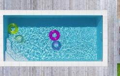 Emilie téglalap alakú medence