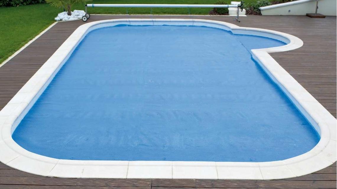 Víz felszínén úszó nyári szolártakaró