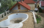 Medence építés - Földvisszatöltés