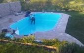 Fóliázzák a medencét